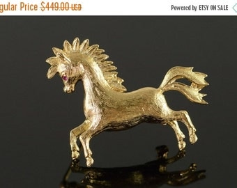 ON SALE 14K Retro Horse Detailed Ruby Eyes Pin/Brooch Yellow Gold