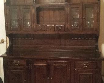 Vintage Bennington Pine 2PC China Cabinet & 5PC Dining Room Table Set