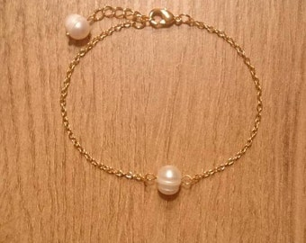 Minimalist bracelet made of genuine gold-plated silver with a Pearl