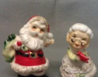 Santa Claus Couple Spaghetti Look Salt and Pepper Shaker Set