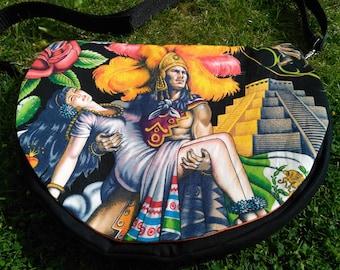 Half moon handmade handbag in cotton with detachable adjustable strap.