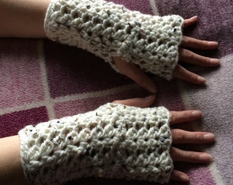 Ladies Fingerless gloves - chunky fingerless gloves - ladies gloves