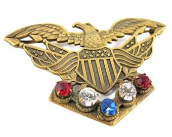 Signed vintage Joseff of Hollywood patriotic theme brooch c. 1950