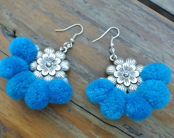 Blue Sky Flower Pompoms earrings