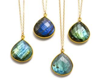 Labradorite Necklace, Labradorite Pendant Necklace, Gold Labradorite Necklace, Gold Gemstone Necklace, Boho Necklace, Gemstone Jewelry