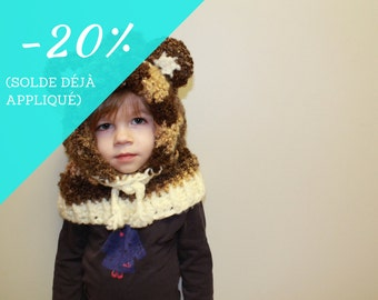Cap / hood with ears and adjustable infant brown bear