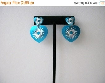 ON SALE Retro 1970s Blue Silver Etched Heart Earrings 72416