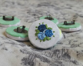 The Blues Rose Trio Embroidery Needlepoint Badge Brooch