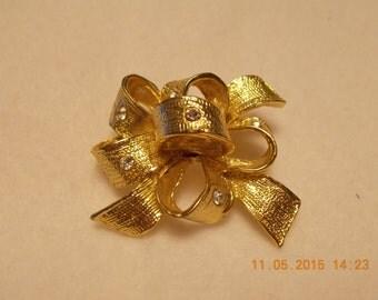 Vintage Gold Tone Bow with Rhinestone Brooch