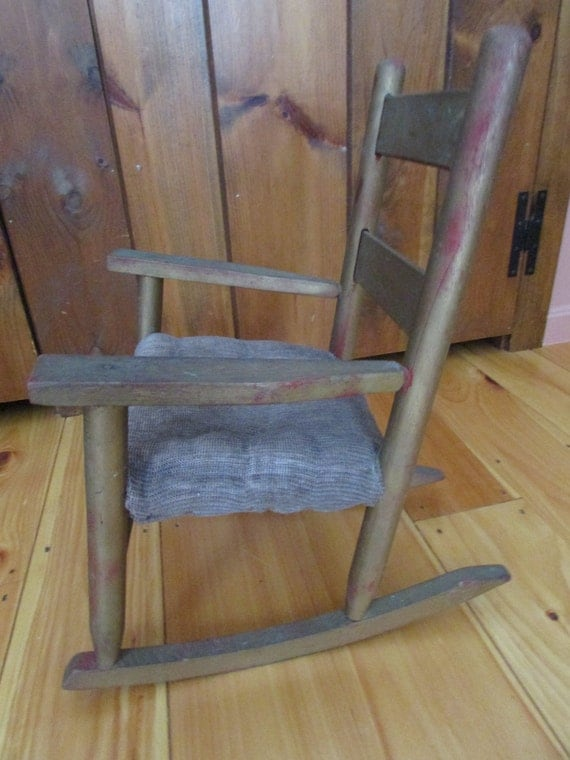Chaise bercante pour poup e vintage doll rocking chair for Chaise bercante antique