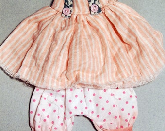 Ppinky's Blythe,Ppinkydolls,Azone body, 2 pieces,vintage fabric outfit set,dress and a polka dot handpainted pant.