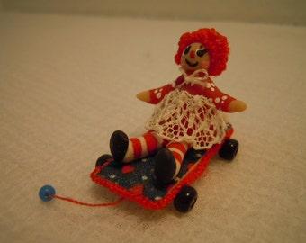 Miniature Pull Toy ~ Doll ~ Raggedy Ann ~ Vintage ~ Dollhouse ~ Fairy Garden ~ Miniature ~ Childs Room ~ Nursery ~ Play Room ~ Toy Shop