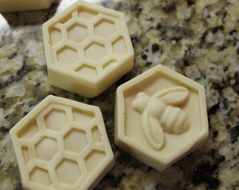 Milk Almond Honeycomb Soap (Set of 3)