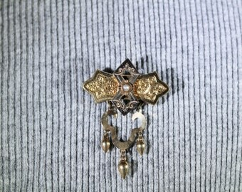 Vintage 1900's Pin with Pearl rolled gold