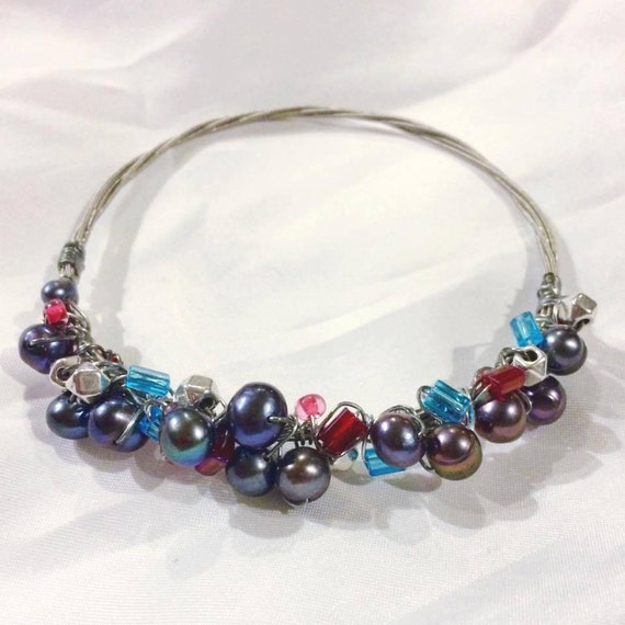 guitar string bangle with potato pearl metal and colored bead. Black Bedroom Furniture Sets. Home Design Ideas