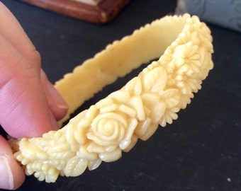 FLORAL CELLULOID BANGLE Vintage 1940s 1950s Carved Floral Celluloid Bracelet Bangle Accessory Jewelry Collectible Chic Ivory