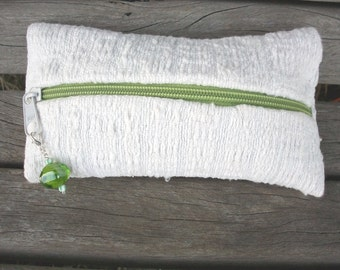with handwoven pencil cases, pure linen, white, tree, green zipper and removable trailer with a green glass bead, one of a kind