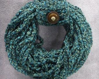 Handmade Crocheted Green Tone Infinity Scarf/Womens/girls/medium/feminine/modern/sophisticated/Christmas/gift for her/warm/colorful