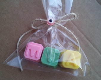 20 Baby shower favors-name soaps-Birthday party favors-wedding favors-engagement favors