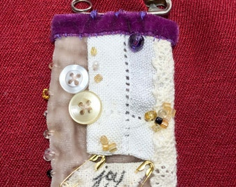 Textile Brooch with a Vintage, Shabby Chic style