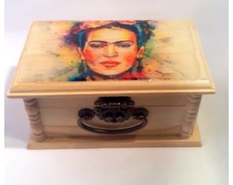 Frida, keepsake box,Box, Trendy ,Trinket,Freida Kahlo,home decor, trendy, Frida Kahlo, gifts, art, Unique gift, jewelry Box, birthday Gift,