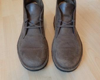 Clark Desert Boots size 8