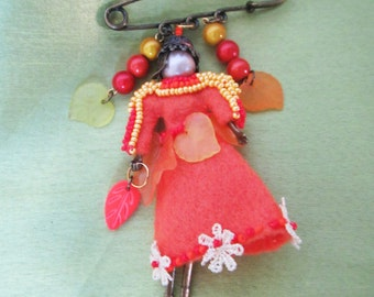 Autumn brooch Girl, Autumn girl brooch, Autumn Doll, Autumn girl brooch handmade, embroidery Brooch Beaded Autumn girl, Autumn girl Brooch