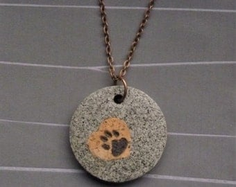 Granite-look necklace pendant * paw on Cork * by Structallic