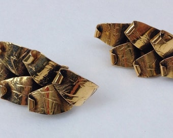 Beautiful Vintage Modernist Hand Made Gold Tone Leaves Clip On Earrings