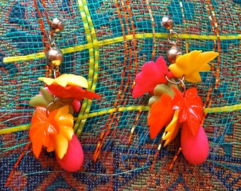 Big Vintage Colorful Funky 90s Dangly Fall Earrings. Big Vintage Colorful Fall Leaves Funky 90s Dangle Earrings