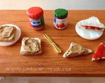 Miniature  peanut butter and jam peanut butter and jelly sap bread jam jelly peanut butter jars miniature food miniature dollhouse