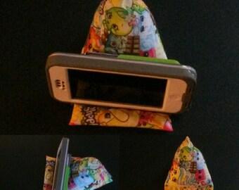 Triangular Shopkins Phone/i-pod Holder