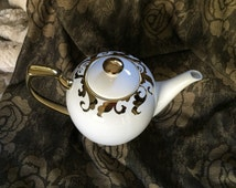 Porcelain Teapot White With Metallic Accent, Elegant Service Tea Pot Dining Ware, Item#WTP73992
