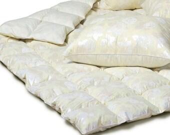 Luxurious Down Comforter