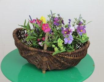 Vintage Garden  Willow Trug/Garden Basket/Willow Basket/Garden Planter/Decorative Basket