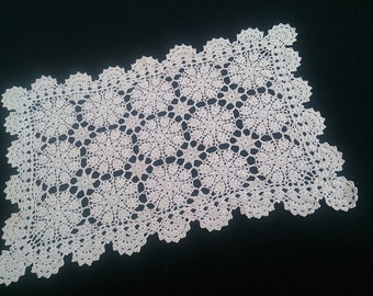 Vintage Crocheted Lace Rectangular Doily, Placemat, or Table Runner. Ecru (Natural Cotton Colour) Crochet Lace Doily RBT0463