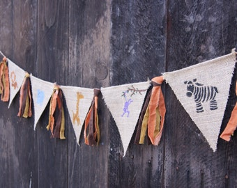 Zoo Animals Burlap Banner, Zoo Party Banner, Zoo Animal Themed Baby Shower, Zoo Birthday, Rag Tie Banner