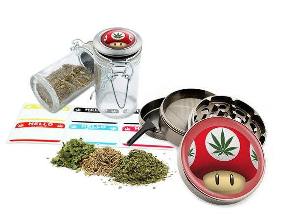 "Red Mushroom - 2.5"" Zinc Alloy Grinder & 75ml Locking Top Glass Jar Combo Gift Set Item # G022115-011"