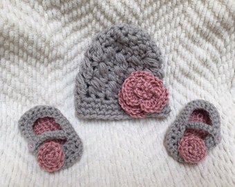 Crochet hat and booties set - Puff Hat and Mary Jane Booties,baby gift set, baby hat and booties,new born,infant