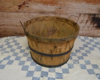 Vintage Primitive Apple Basket, Wooden Apple Basket, Bushel Basket, Rustic Home Decor, Primitive Home Decor, Photo Prop