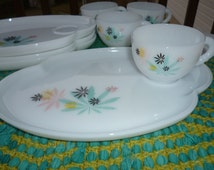 Vintage 1950s Aqua & Pink Federal Glass 4 place setting  Milk Glass Snack Set
