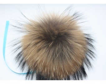Fur ball Pompom Finn-Raccoon natural color as pictures for hats