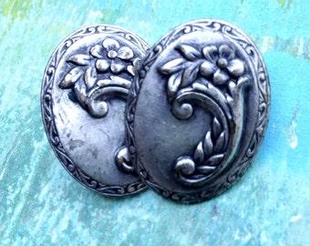 Vintage Silvertone Floral Post Earrings