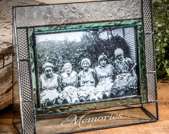 Engraved Stained Glass Photo Frame 4x6 Horizontal Vintage Picture Frame -  With Engraving Options - Pic 382-46H