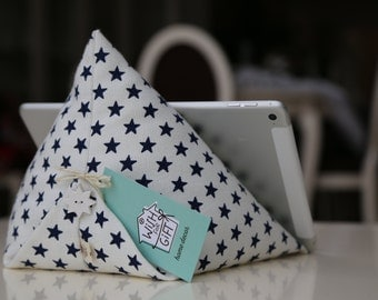 iPad / tablet / e-reader pillow - Tablet stand with stars - iPad/iPad mini/iPad Air/Tablet cushion