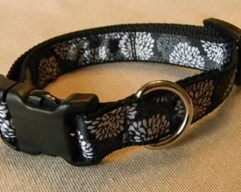 Black, White & Grey Flowered Dog Collar
