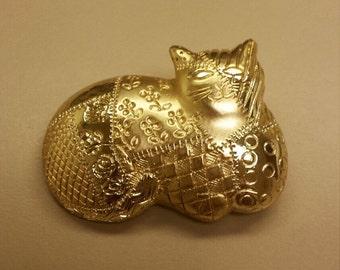 Costume Jewelry Cat Pendant
