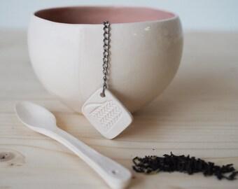 Ensemble à thé en Faïence (bol - boule à thé - cuillère)