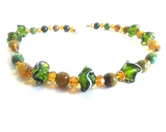 Agate Choker, crystals and glass pearls, beautiful, elegant, bright.