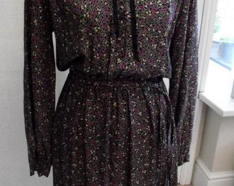 Ladies vintage peter pan collar dress size 12